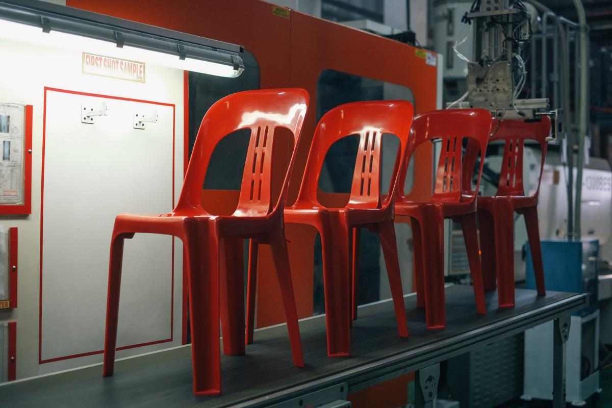 plastic molding for chair production_asremavad